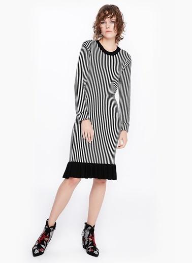 Etek Ucu Fırfırlı Triko Elbise-Twist